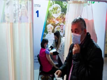 Israel to begin vaccinating Palestinian prisoners