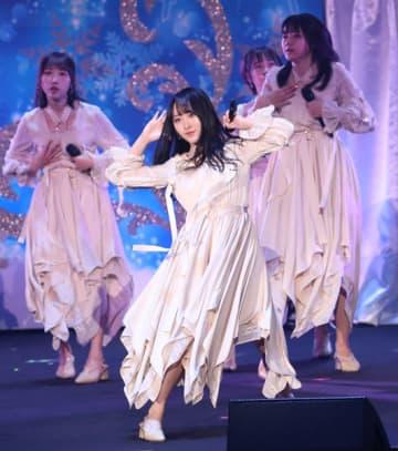 STU48新センター・石田千穂に粋な計らい 〝ポスター早着替え〟でエール