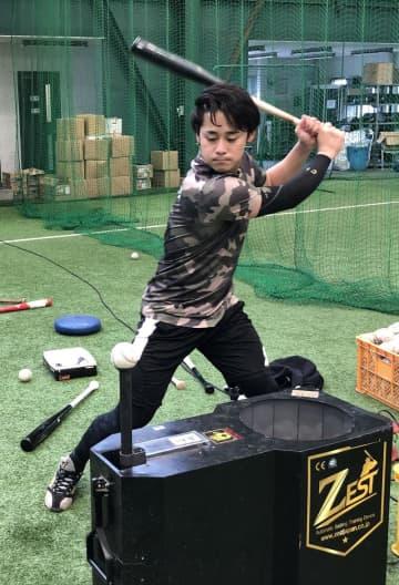 <千葉ロッテ>平沢、完全復活へ奮闘 右肘手術、リハビリ途中