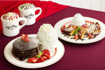 エッグスンシングスのバレンタイン 「とろけるフォンダンショコラパンケーキ」
