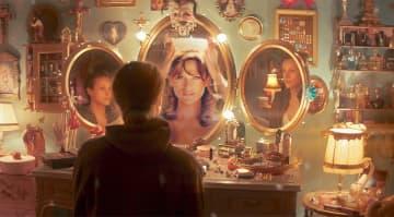 圧倒的美貌のユニセックスモデルが、ミス・フランスに挑む男性を演じる 映画「MISS」予告編