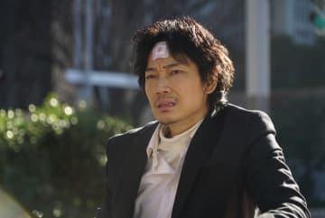 実写映画版「ホムンクルス」にはオリジナルの展開も 綾野剛、成田凌らの新場面写真も公開