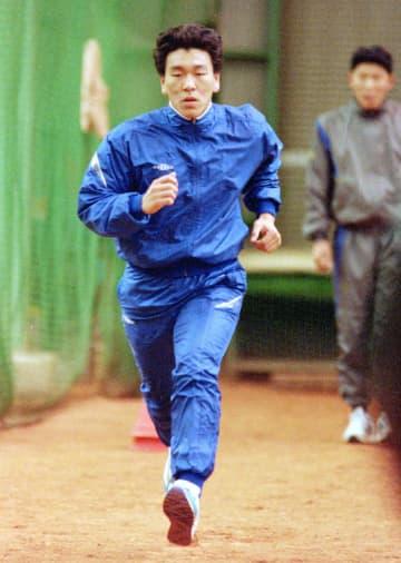 【12球団ルーキー列伝】巨人ドラ1松井秀喜は93年新人合同自主トレ初日で走法修正