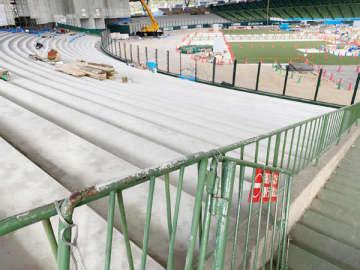<埼玉西武だより>芝生がコンクリートに メットライフドーム新外野席の誕生間近 ファンのエネルギー意識