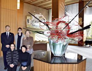 「未来に向かう姿表現」コロナ収束願う生け花 郡山のホテルハマツ