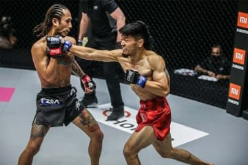 Adiwang scores 2nd round KO; Capitan dethrones Ramazanov in ONE: Unbreakable