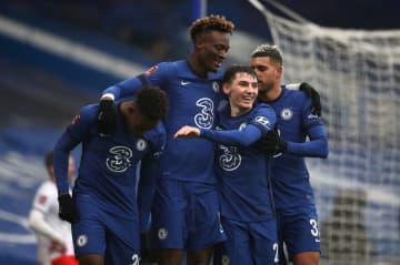 Abraham hat-trick helps Chelsea dispatch Luton 3-1 in FA Cup