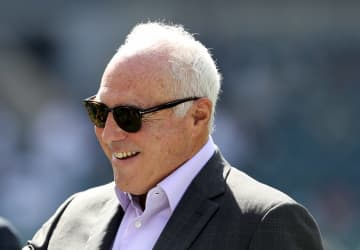 Marcus Hayes: Don't call Jeffrey Lurie racist after he passed on Eagles assistant Duce Staley