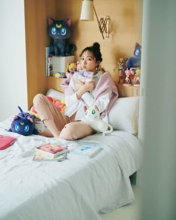 乃木坂46 梅澤美波、美少女戦士セーラームーンと着まわしで共演! 『with』登場