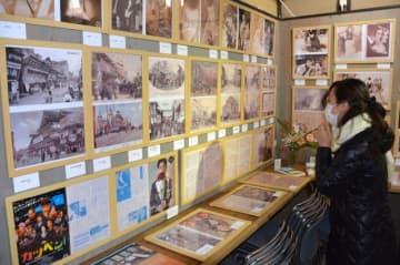 朝ドラ「おちょやん」の劇場街はどんな雰囲気だった? 戦前の劇場街を写した絵はがきを展示