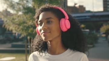 北欧スウェーデン発のライフスタイル・ブランド『WeSC』、カラフルでポップなオーディオ・ヘッドフォンを新発売