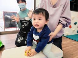 子育てスペースで遊ぶ子ども。コロナ禍で支援の場は多くない=神戸市内