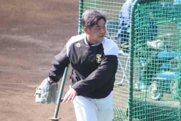 打撃投手として登板したソフトバンク・工藤監督【写真:福谷佑介】