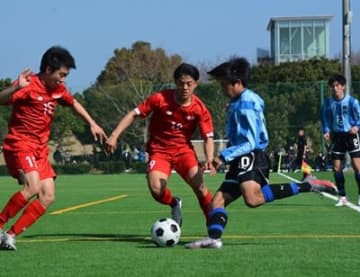鵬翔 vs 東福岡(写真=松尾祐希)