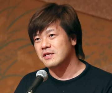 平野啓一郎氏、首相長男の接待1人7万4203円に皮肉「いいワインでも開けたのか」