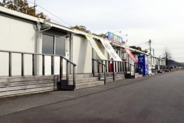西日本豪雨の被災事業者が一時的な営業スペースとして使い、28日に2年間の入居期限を迎える復興商店街