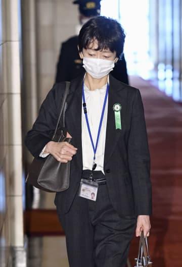 山田広報官が陳謝、辞任は否定 首相長男接待、申告なし 画像