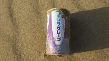 鳥取砂丘で50年前の「ファンタ」が見つかる…懐かしくても素直に喜べない理由 画像