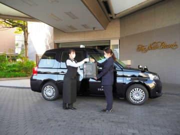 タクシーで人気スイーツお届け ホテルニューオータニ幕張、自宅にフードデリバリー 千葉