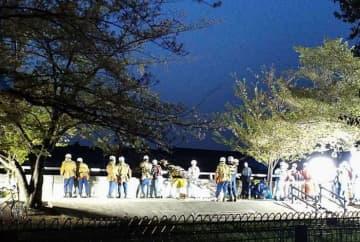 小2男児が転落した新河岸川の現場周辺=7日午後6時33分、東京都板橋区