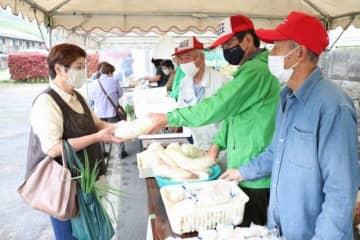 倉敷市広江地区の住民有志が始めたフードシェア会=4月4日