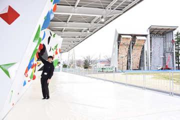 (左から)ボルダリング、リード、スピードの各競技場。国内有数の競技拠点として利用が増える=盛岡市みたけ・県営運動公園