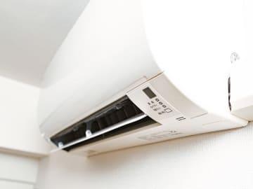 古くなったエアコンを思い切って買い替えるのも節電になる場合がある