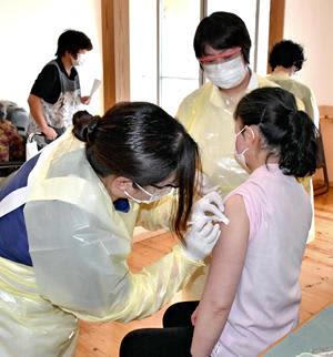 医療従事者や高齢者らを対象に県内で進むワクチン接種。連休明け以降、高齢者の接種が本格化する