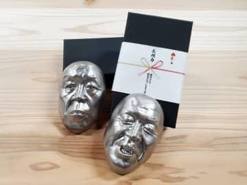 """【やばい】長州力の顔面を3Dスキャン! 一度置いたら絶対に紙を逃がさない""""サソリ固め級""""の文鎮登場"""