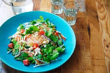 食品宅配「Oisix」×月刊誌『VERY』! 味も見た目も満足なサラダキットを開発