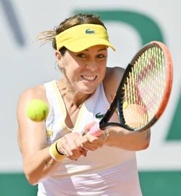 女子シングルス準決勝でプレーするアナスタシア・パブリュチェンコワ=パリ(ゲッティ=共同)