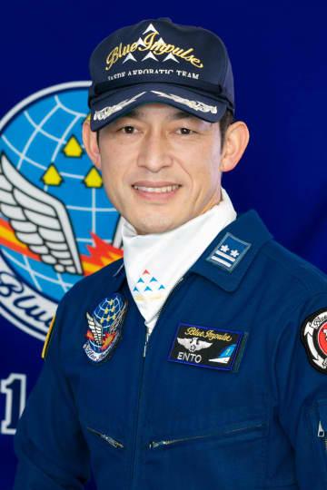 ニュース画像:隊長、五輪マーク「鮮明に残す」 空自ブルーインパルス、6機編隊