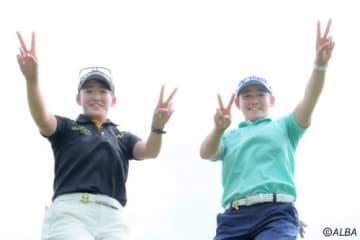 プロデビュー戦に挑む千怜(左)と明愛の岩井ツインズ(撮影:鈴木祥)