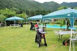 薬草薬樹公園にオープンしたバーベキューサイト=丹波市山南町和田
