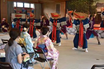 小村記念館であった泰平踊の定期公演