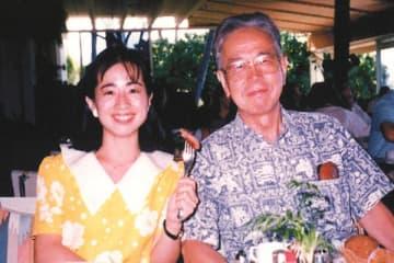 父の弘之さんは2015年に94歳で亡くなった。90歳で引退宣言したが、その後も未刊行集などが出版。90代であとがきを書き下ろしていた