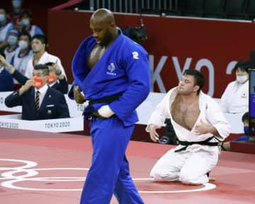 柔道の混合団体は銀メダル 決勝でフランスに敗れる 画像