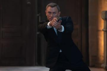 『007/ノー・タイム・トゥ・ダイ』より - (C) 2021 DANJAQ, LLC AND MGM. ALL RIGHTS RESERVED.