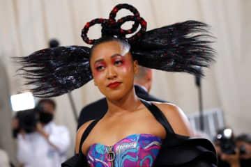 米ニューヨークのメトロポリタン美術館で13日、ファッションの祭典「メット・ガラ」が開かれ、多くの俳優や歌手のほか、スポーツ界からは女子テニスの大坂なおみ(写真)などが出席した - (2021年 ロイタ