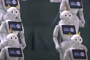 ソフトバンクのロボット応援団「ペッパー」たち【画像:パーソル パ・リーグTV】