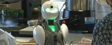 難病患者らが遠隔で接客 小型ロボットを活用/群馬県