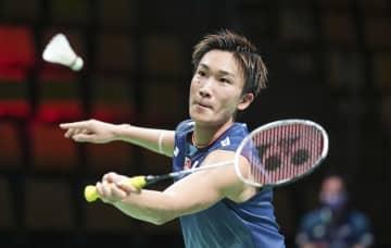 男子トマス杯1次リーグのマレーシア戦でプレーするシングルスの桃田賢斗=オーフス(AP=共同)