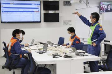 大分県庁で行われた原発事故を想定した防災訓練=15日午前