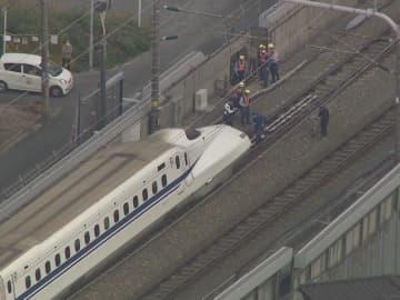 ニュース画像:「東海道新幹線の駅ホームから線路へ…のぞみ号が人と接触 その場で死亡確認 上下線一部区間で運転見合わせ」
