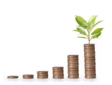 株式投資は副業としても人気 低リスクで収入を増やす方法は?