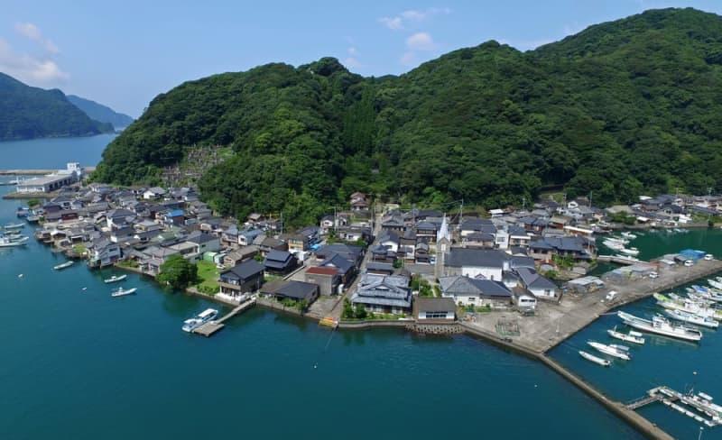 ④天草の﨑津集落(熊本県天草市) 漁村に根差した信仰 踏絵の場所に立つ天主堂