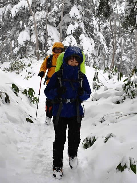 晴れやか正月願い 高山市の北アで越年登山