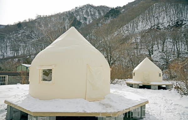 [Tanigawadake mountain climbing entrance] Let's stay at Mogura Station / Dogo Three companies such as JR East are glamping facilities