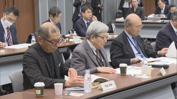 富士山登山鉄道構想 「次世代型路面電車が優位」骨子案