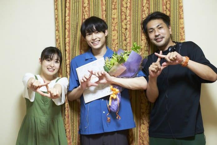 🎥|SixTONES松村北斗×森七菜、『ライアー×ライアー』笑顔で撮了 ...